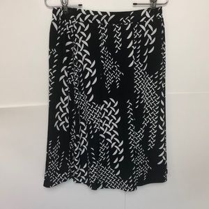 LuLaRoe Skirt Black And White Flare NWOT Midi